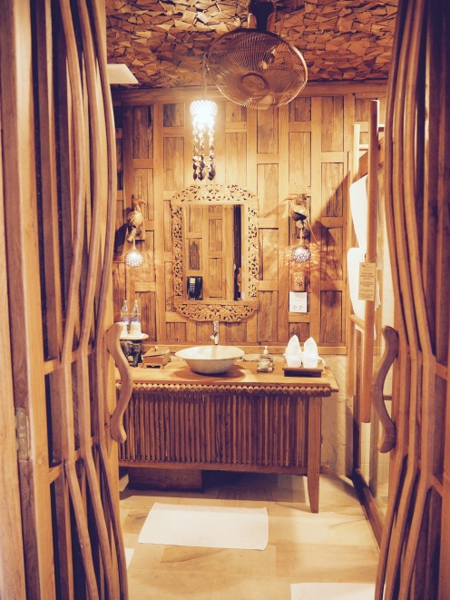 The gorgeous bathroom